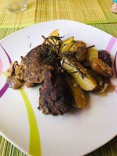 Parázsburgonyával sült, sörrel borított sertéscomb, kakukkfűvel Steak, Beef, Food, Meat, Essen, Steaks, Meals, Yemek, Eten