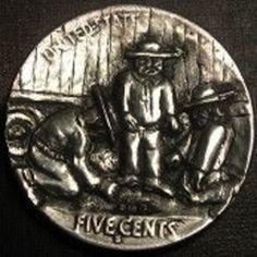 BEN WELLS HOBO NICKEL - HOBOS SHOOTING DICE - BUFFALO NICKEL REVERSE CARVING Wells, Dice, Hobo Nickel, Carving, Buffalo, Coins, Rooms, Cubes, Wood Carvings