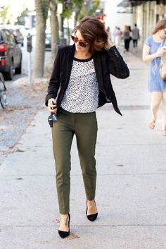 Pretty Work Outfits Ideas To Wear This Fall 13 Olive Pants Outfit, Work  Pants Outfit 6ced5663701e