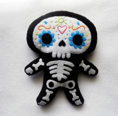 ..................... my felt friends ......................: Skeletons skulking around