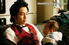 Jang Keun Suk and Mason Moon in Baby and Me.