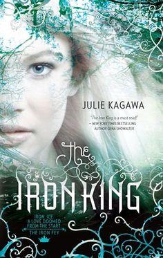 The Iron King (Iron Fey #1) - Julie Kagawa - Young Adult. Das war eine meiner Vorlagen für mein Cover für Hedge Games. Dieses Buch verbindet auch Magie und Technik. Aber für Jugendliche und mehr Romantik als meins.