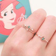 Disney Princess Jewelry, Disney Jewelry, Cute Jewelry, Jewelry Accessories, Jewelry Necklaces, Pearl Necklaces, Geek Jewelry, Fashion Accessories, Pendant Necklace