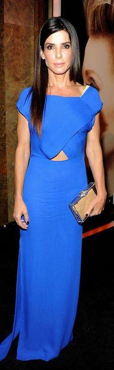 Sandra Bullock: Dress – Vionnet  Shoes – Jimmy Choo  Purse – Charlotte Olympia  Jewelry – Lorraine Schwartz