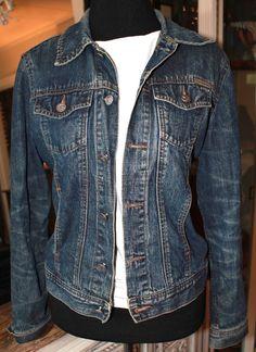 Calvin Klein Jeans Blue Denim Long Sleeve Trucker Jean Jacket Women Small #CalvinKlein #TruckerjeanJacket