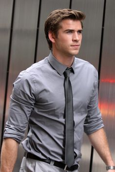 Born on January 13, 1990, in Melbourne, Australia, Liam Hemsworth is the younger brother of actors Chris Hemsworth and Luke Hemsworth.