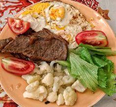 Bife ovo couve flor e salada no feriado! . . #senhortanquinho #paleo #paleobrasil #primal #lowcarb #lchf #semgluten #semlactose #cetogenica #keto #atkins #dieta #emagrecer #vidalowcarb #paleobr #comidadeverdade #saude #fit #fitness #estilodevida #lowcarbdieta #menoscarboidratos #baixocarbo #dietalchf #lchbrasil #dietalowcarb