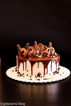 Glassa al cioccolato lucida e setosa per drip cake. Marcella Di Manno f2e9a923064a