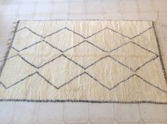 BENI OURAIN. Vintage Moroccan Rug. Wool Beni Ourain Carpet. Modern Design.