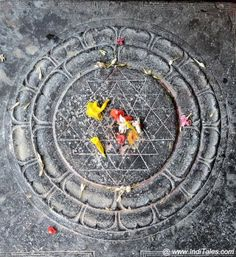 Ancient Ekambareswarar Temple In Kanchipuram is known for its Earth Lingam, its tall Gopuram, its 1000 pillared corridors and its ancient mango tree. Happy Anniversary Cakes, Anniversary Funny, Anniversary Cards, Happy Birthday Wishes, Happy Birthdays, Birthday Greetings, Birthday Cards, Lord Shiva Statue, Shiva Yoga