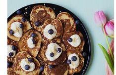 Banaaniletut Waffles, Pancakes, Homemade, Snacks, Cookies, Breakfast, Desserts, Food, Crack Crackers