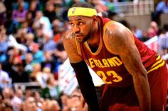 LeBron James Follows Aaron Rodgers' Lead, Tells Fans to 'Relax' About Slow Start
