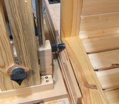 cutting rabbet on bottom inside Milk Crates, Pallet Fence, Wooden Boxes, Woodworking Plans, Wood Projects, Diy And Crafts, Alice, Inspired, Deco