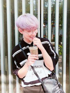 a on bothnewyear Korean Boys Hot, Korean Boys Ulzzang, Ulzzang Boy, Korean Men, Korean Aesthetic, Aesthetic Boy, Cute Asian Guys, Asian Boys, Boys Glasses