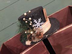 Primitive Christmas, Snowmen, Gift Wrapping, Gifts, Gift Wrapping Paper, Presents, Snowman, Wrapping Gifts, Prim Christmas