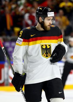 Leon Draisaitl Photos Photos - Leon Draisaitl of Germany reacts during the 2017 IIHF Ice Hockey World Championship game between Italy and Germany at Lanxess Arena on May 2017 in Cologne, Germany. - Italy v Germany - 2017 IIHF Ice Hockey World Championship Kevin Hayes, Sports Jersey Design, Hockey World, Nhl Jerseys, Edmonton Oilers, Championship Game, Field Hockey, Hockey Players, Ice Hockey