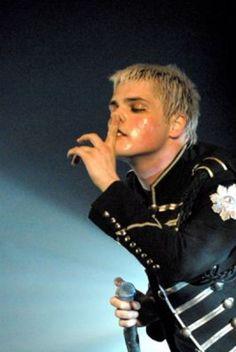 Gerard Way ✧