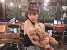 Soojin on her way to Japan! Kpop Girl Groups, Korean Girl Groups, Kpop Girls, Pretty People, Beautiful People, Soo Jin, Little Bit, Soyeon, Celebs