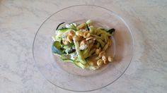 "Przepis ""Spaghetti z cukinii"" autorstwa carolotta Pesto, Salads, Tacos, Spaghetti, Vegetables, Ethnic Recipes, Food, Essen, Vegetable Recipes"