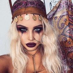 modèle de maquillage femme Halloween en voyante gitane