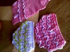 Oi meninasssss!!!!! Trouxe para vocês essa vídeo aula maravilhosa!!!! Essa linda sandalinha, modelo MELISSA , toda em crochê! Espero que ajude à todas vocês ... Crochet Baby Boots, Baby Girl Crochet, Crochet Baby Clothes, Newborn Crochet, Knit Crochet, Accessoires Barbie, Knitting Dolls Clothes, Handmade Baby Clothes, Romper Pattern