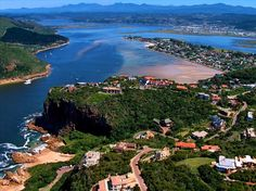 take a train ride and spend a week in Knysna - South a weekend count? Beaches In The World, Places Around The World, Around The Worlds, Knysna, African Countries, Countries Of The World, The Beautiful Country, Beautiful Places, Beautiful Pictures