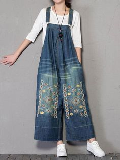 Buy affordable & high quality pattern knitted womens blue denim overalls created from cotton. The wide-leg fits baggy overalls are carefully crafted. women Cleopatra Overall Dungarees Jeans Denim, Denim Overalls, Dungarees, Wide Leg Denim, Blue Denim, Vetement Hippie Chic, Elisa Cavaletti, Modelos Fashion, Casual Jumpsuit