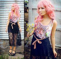 Damn, I want pink hair