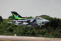 https://flic.kr/p/wKJrKq | RAF Tornado GR4 ZA456 RIAT 2015 | ZA456 wearing the IX(B) 100th anniversary markings arriving in a rare sunny spell on the Thursday of Royal International Air Tattoo 2015, RAF Fairford