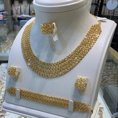 Gold Jewelry, Pearl Necklace, Fashion Jewelry, Pearls, Photo And Video, Videos, Photos, Instagram, String Of Pearls