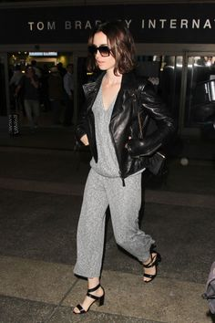 lily-collins-arriving-at-lax-airport-in-los-angeles-10-3-2016-6.jpg (1280×1920)