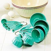 Bundt® Measuring Cups and Spoons