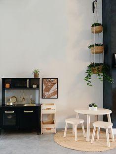 Play Corner, Kids Corner, Natural Home Decor, Diy Home Decor, Home Renovation, Ikea Duktig, Scandinavian Kids Rooms, Ikea Play Kitchen, Round Coffee Table Modern