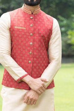 Buy Beautiful Maroon Jacket with contrast Kurta Set - from a classic range of Nehru & Modi Jackets at Manyavar. Adorn a jacket from our collection to enhance your traditional wear & Kurta Pajamas. Blazer For Men Wedding, Sherwani For Men Wedding, Wedding Dresses Men Indian, Formal Dresses For Men, Formal Shirts For Men, Wedding Dress Men, Wedding Men, Sherwani Groom, Blue Sherwani