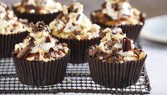 Peanut Butter & Banana Cupcakes - Queen Fine Foods