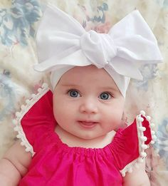 Keep the best memory of your loved baby! Cute Little Baby, Cute Baby Girl, Little Babies, Baby Love, Cute Babies, Baby Kids, Precious Children, Beautiful Children, Beautiful Babies