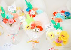 Bouquet de fleurs en papier crépon pour la fete des meres - Adeline Klam
