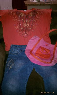 """A fun """"beachy"""" outfit for sightseeing in La Jolla with pink and orange tote for souvenirs!"""