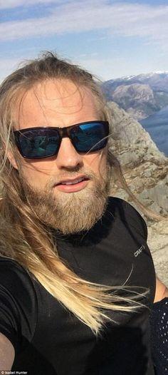 Norwegian Men, Raining Men, Vampire Diaries The Originals, Henry Cavill, Beard Styles, Blondes, Vikings, Celtic, Hot Guys