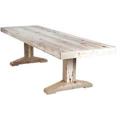 こちらもスクラップウッド(廃材木)を使った大きなテーブル。インテリアの主役になる存在感ですね。