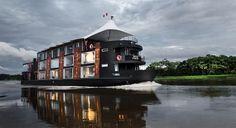 Un vaisseau sur l'Amazone au Pérou