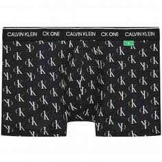 Calvin Klein CK One Recycled Trunk, Mini Staggared Logo Print/Black Calvin KleinCK One Recycled Trunk, Mini Staggared Logo Print/Black This garment is made from 3 recycled plastic bottles Calvin Klein Signature logo contrasting waistband Infinite expression, Iconic style 89% Polyester, 11% Elastane Calvin Klein Ck One, Recycle Plastic Bottles, Signature Logo, Recycling, Trunks, Infinite, Black, Style, Products