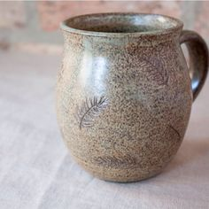 I have two of these lovelies just sitting here waiting for a home :) Today is the last day of our Thabksgiving SALE! Use code HANDMADE4U for 15% off everything on Etsy! Www.etsy.com/shop/barombistudios #growingonme #unexpectedresults #mug #leafy #palm #pine #pattern #earthy #rustic #modernrustic #boho #bohemiandecor #rusticchristmas  #smallbusiness #smallgift #etsygifts #etsyshop