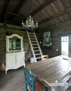 ein rustikales blockhaus hier sieht das holz sehr nat rlich aus doch bei lugarde k nnen sie. Black Bedroom Furniture Sets. Home Design Ideas
