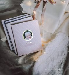 Baby shower gifts meaningful life Ideas for 2019 Baby Shower Prizes, Baby Shower Themes, Baby Shower Gifts, Presents For Kids, Gifts For Kids, Baby Books Online, Baby Journal, Pregnancy Journal, Baby Photo Books