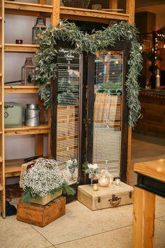 Philadelphia Wedding Florist : Megan & Eli at the Cira Centre, french mirrored door, vintage suitcases, A Garden Party