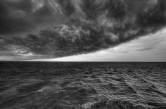 Hurricane coming - Cuba #cuba #cyclone #hurricane #sea #storm #thunder #varadero #bw #blackandwhite #weather #travel