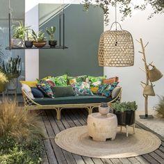 Misez sur des accessoires colorés pour relooker votre terrasse