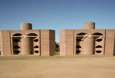 Louis I. Kahn - domu studenckie w Indian Institute of Management, India, 1962-74. BRUTALIZM