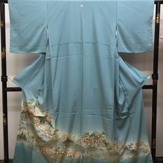 Iro tomesode is a kind of formal kimono. We Japanese usually wear it at wedding ceremony. This is very good condition and has beautiful hand painting.